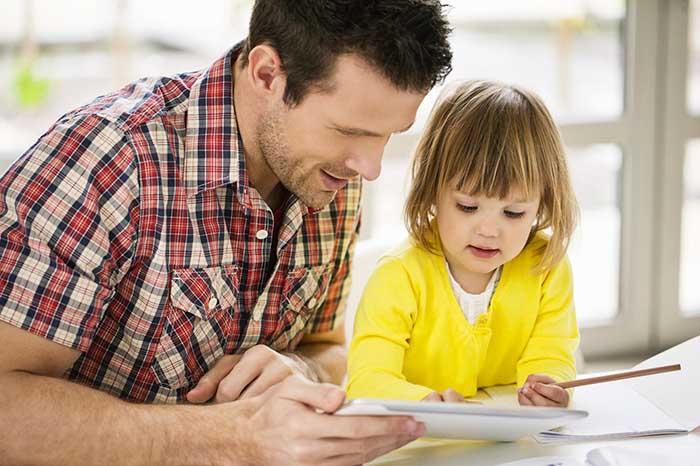 как помочь ребенку запомнить учебный материал